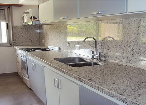 Cocinas de granito granito blanco dallas for Granito blanco para cocina