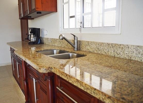 Cocinas de granito granito santa cecilia - Cocinas de granito ...